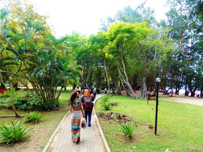 Island exploration to Manukan Island